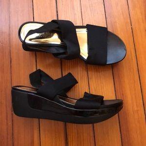 Kenneth Cole Black Wedge Sandals Sz 8